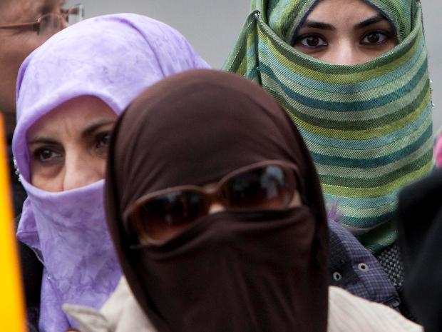 Schutzkleidung nach EU-Norm - weiblich